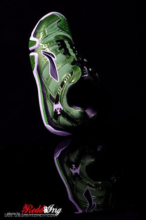 李宁羽毛球鞋